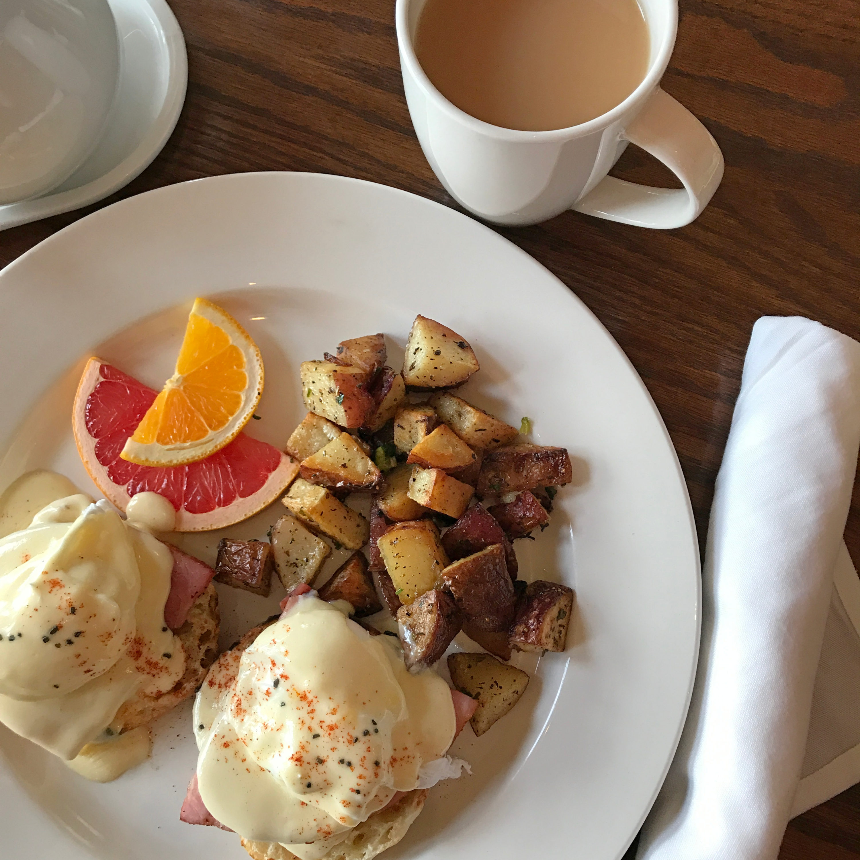 Kingfisher Restaurant - Eggs Benny