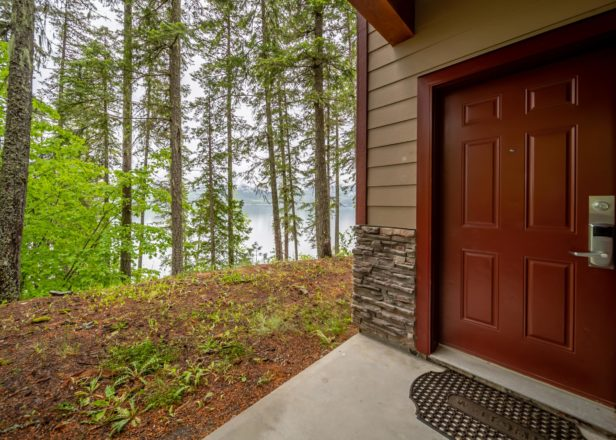 Picture of large studio suite entrance view