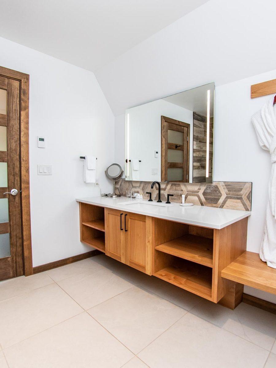 Bathroom view of twin cabin